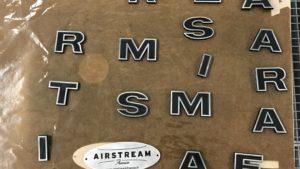 Rénovation des lettres originales